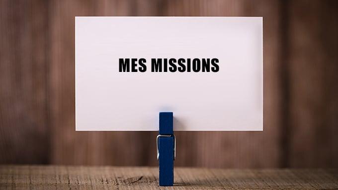 Pince à linge tenant une carte avec l'inscription « Mes missions »