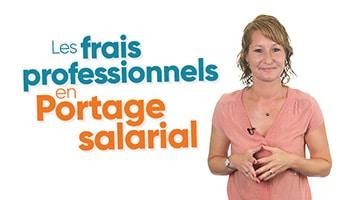 Femme présentant les frais professionnels en Portage salarial