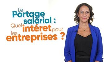 Femme présentant l'intérêt du Portage salarial pour les entreprises clientes