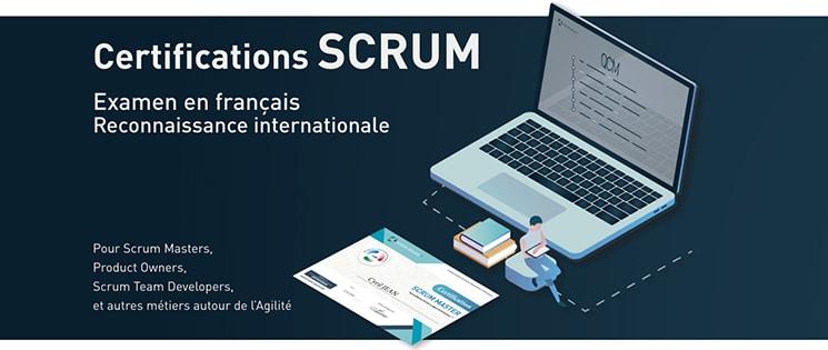 Ordinateur, carte et livres pour illustrer les certifications SCRUM