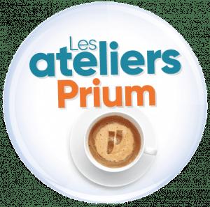 """Tasse de café avec logo Prium et texte """"Les ateliers Prium"""""""