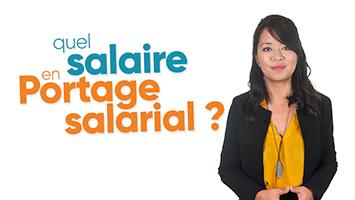 Femme présentant le calcul du salaire en Portage salarial
